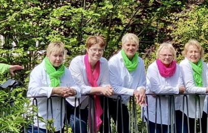 Von links nach rechts: Sabine Seifert,Birgit Bulle, Marianne Pieper, Sabine Böye, Inga Osterndorff, Dörte Bulle in der vorderen Reihe: Kerstin Meyer, Sonja Umland